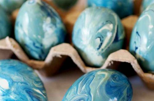marbled faux easter egg