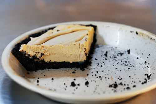 pioneer woman chocolate peanut butter pie