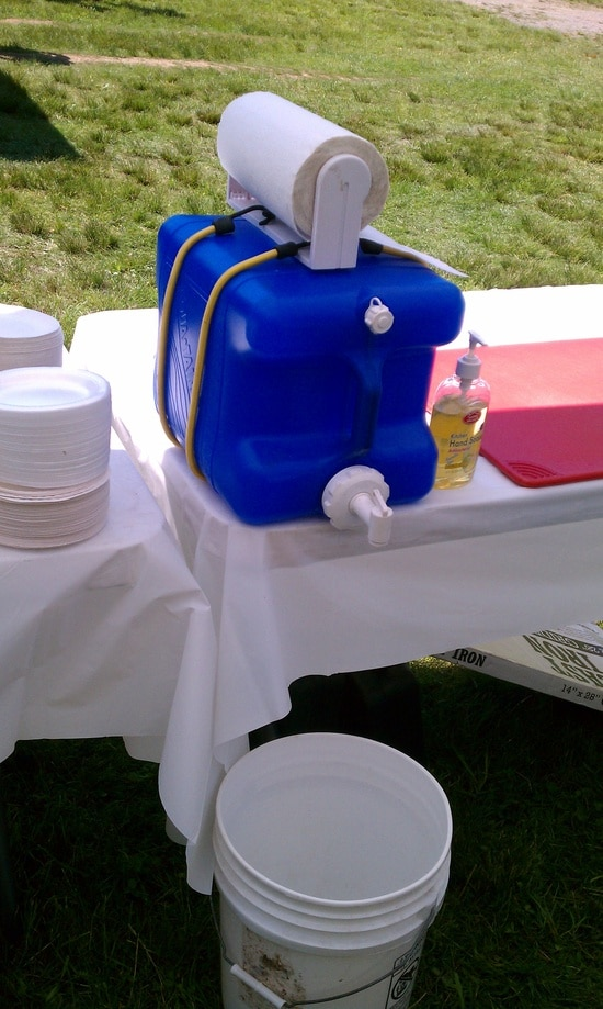 diy hand washing station via do it and how