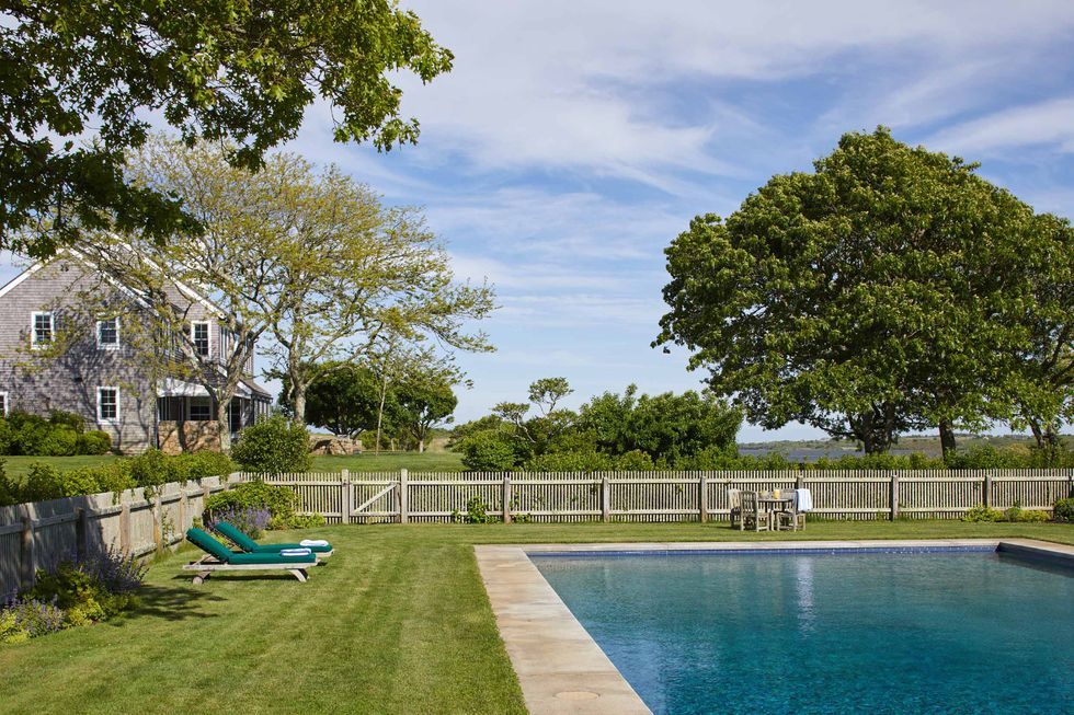 jackie O's martha vineyard pool via elle decor happy list