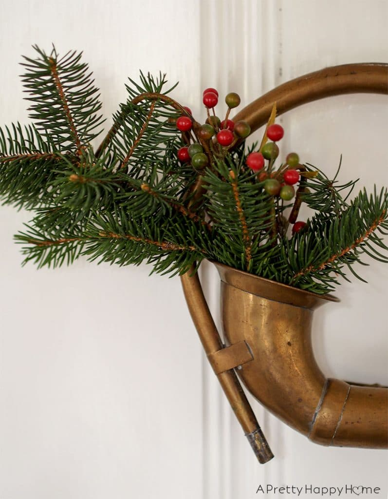 antique car horn wreath
