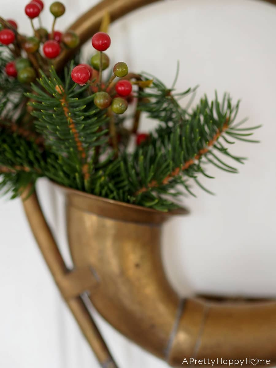 antique car horn wreath