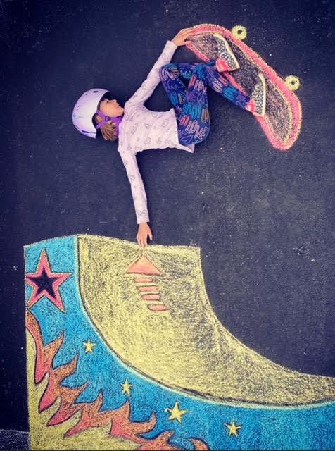 Stacy Lazzara sidewalk chalk art via tanks good news on the happy list