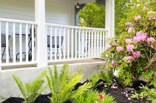 colonial farmhouse flower bed staycation