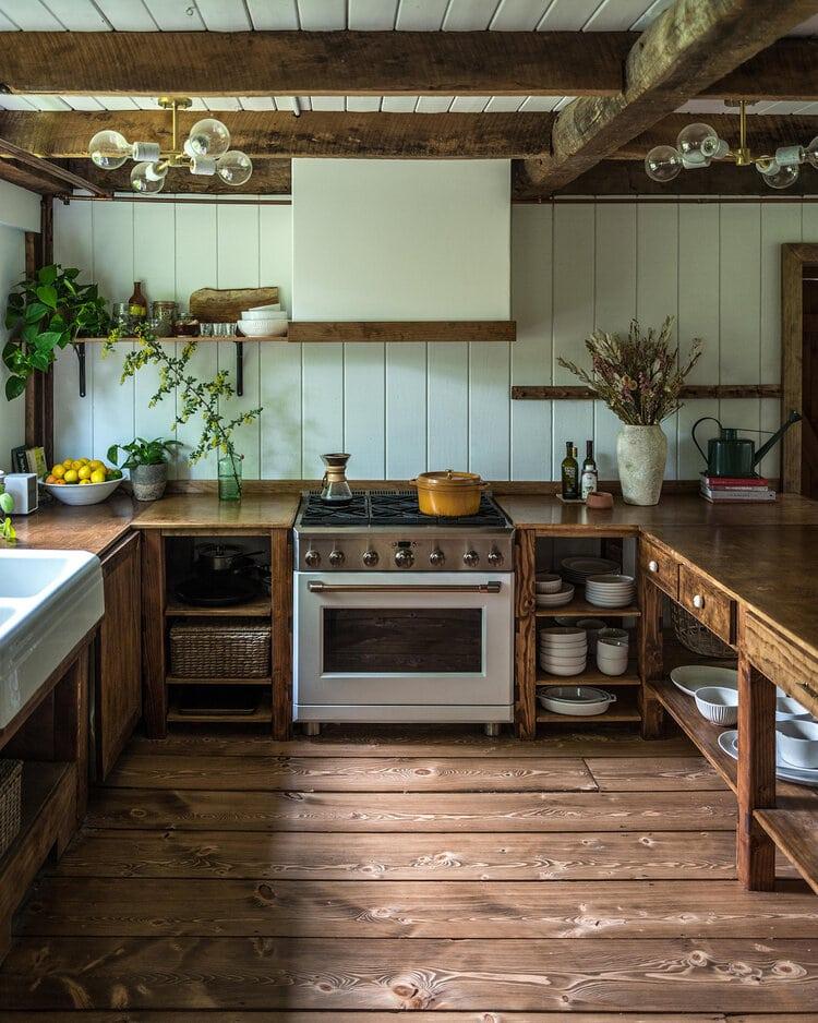 hunter barn house via the boardroom on the happy list