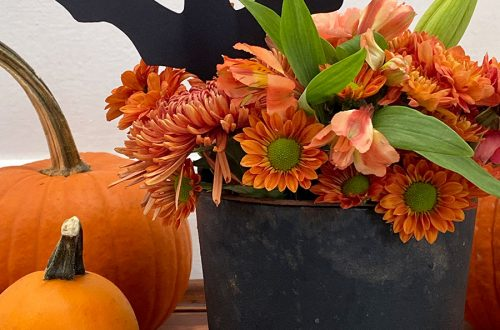 halloween cauldron centerpiece