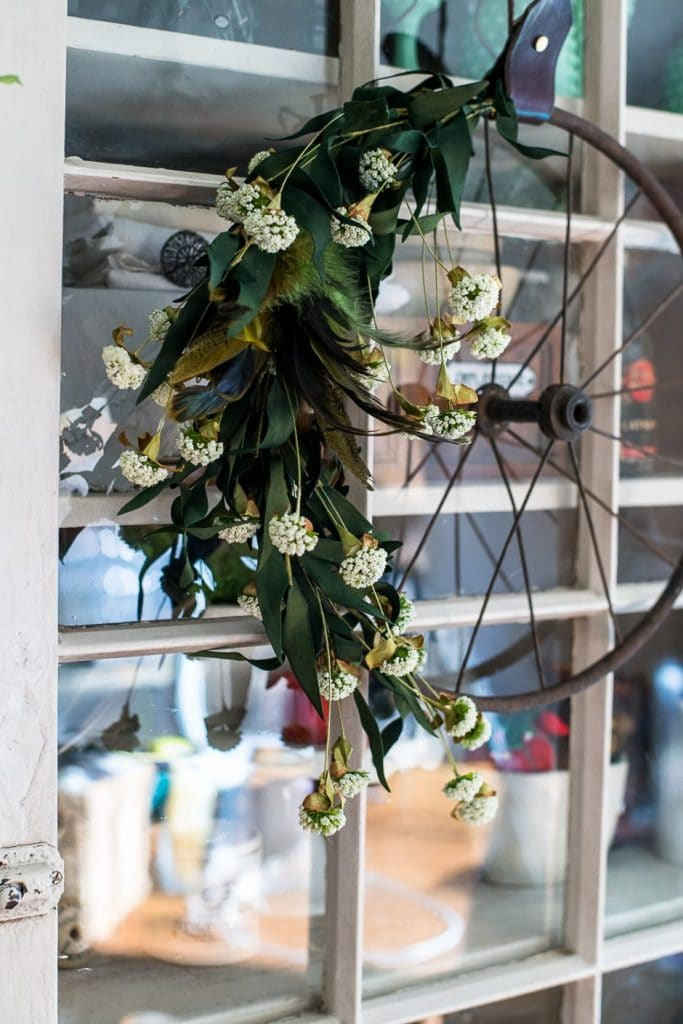 vintage thanksgiving wreath out of old wheel on vinyl etc on the happy list