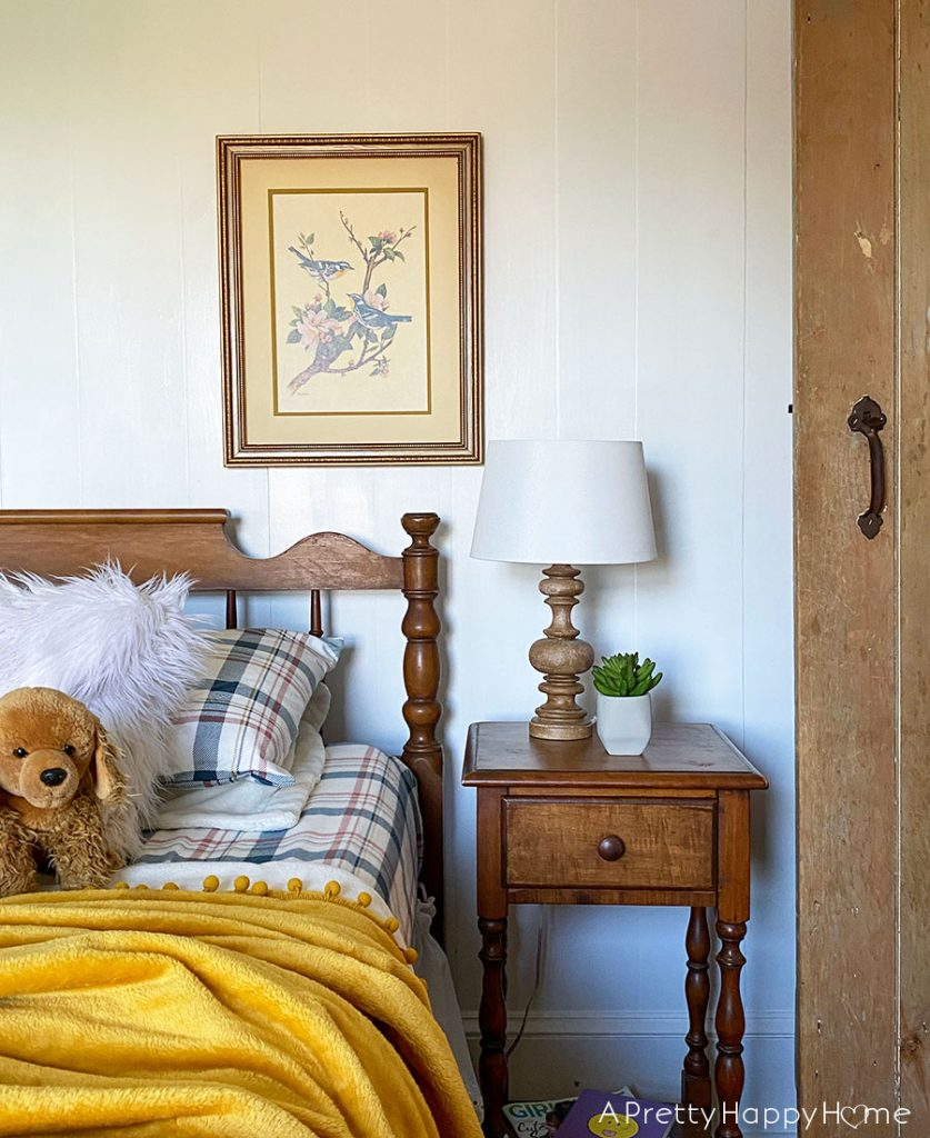 teen girl bedroom with vintage flare small updates in the kids' bedrooms