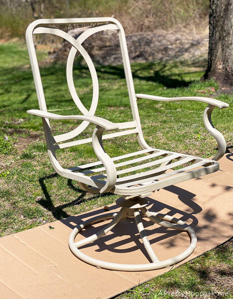 swivel outdoor chair before makeover