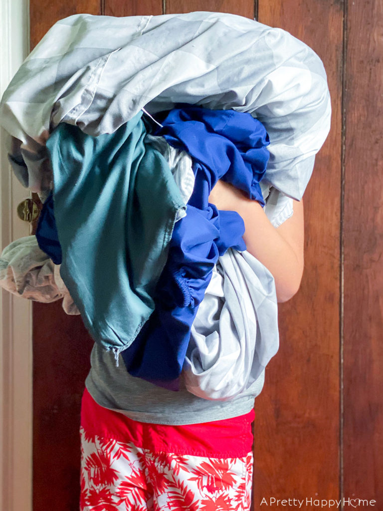 kids doing laundry