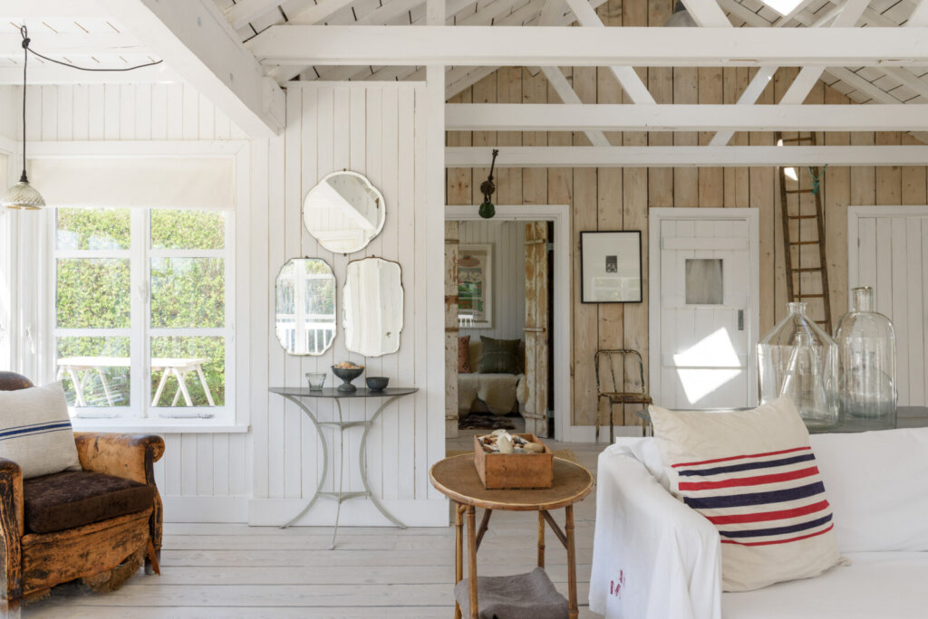 wynchelse rustic beach house via desire to inspire on the happy list