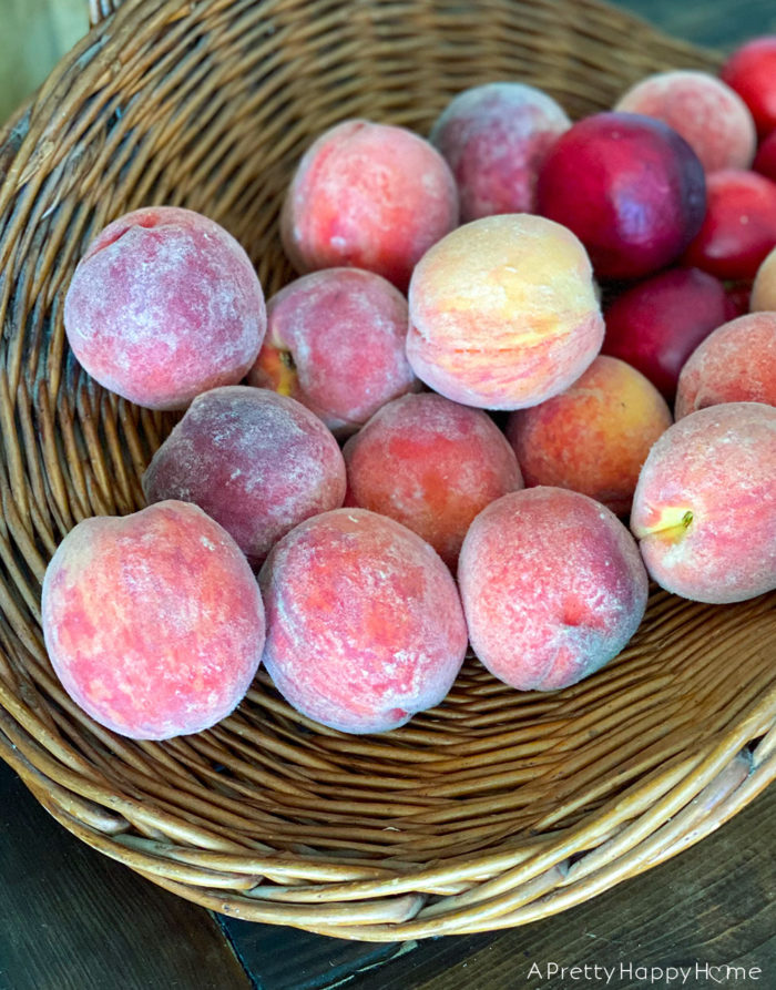 basket of peaches on the happy list