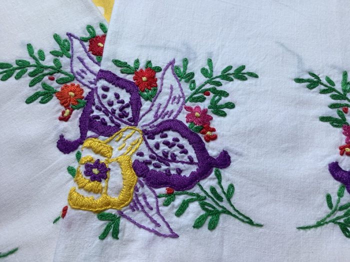mrspetunia etsy shop vintage embroidered pillowcases
